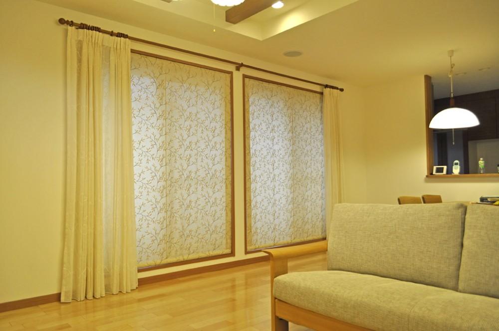 リーフ 刺繍カーテン 装飾レール セキスイハウス