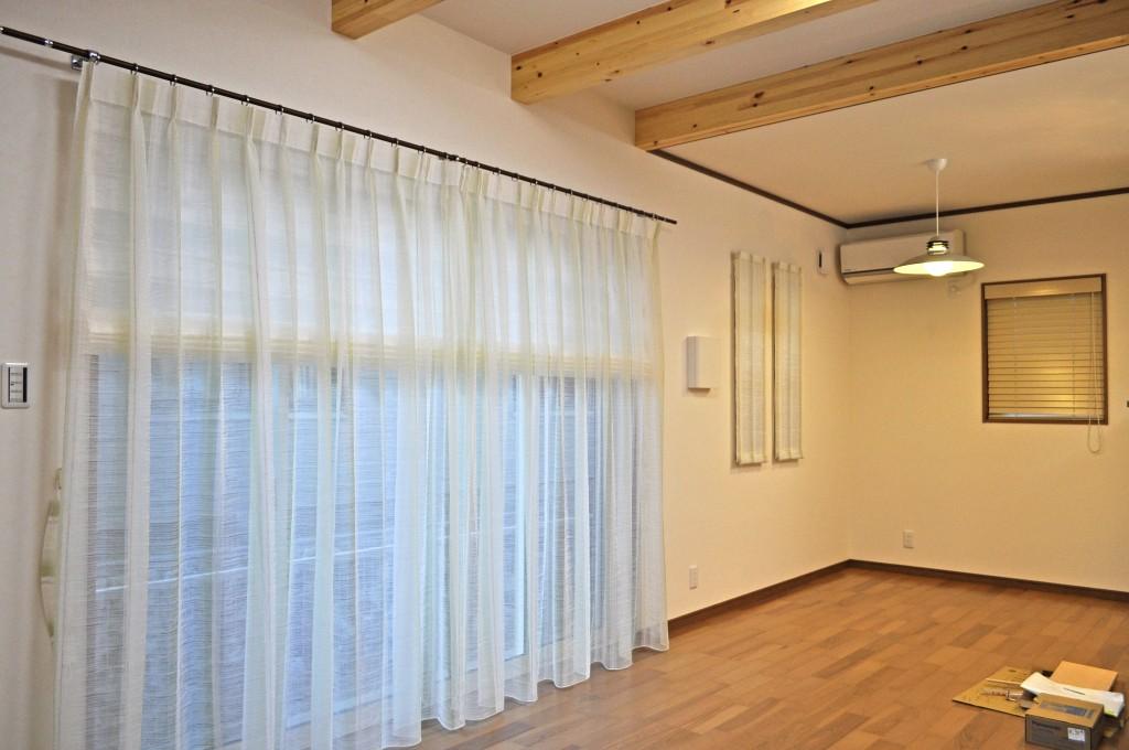 ナチュラルインテリア グリーン オーダーカーテン 木製ブラインド 大津市 北村産業