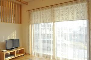 グレー 刺繍生地 シェード 小窓 輸入カーテン 湖南市 びわこホーム