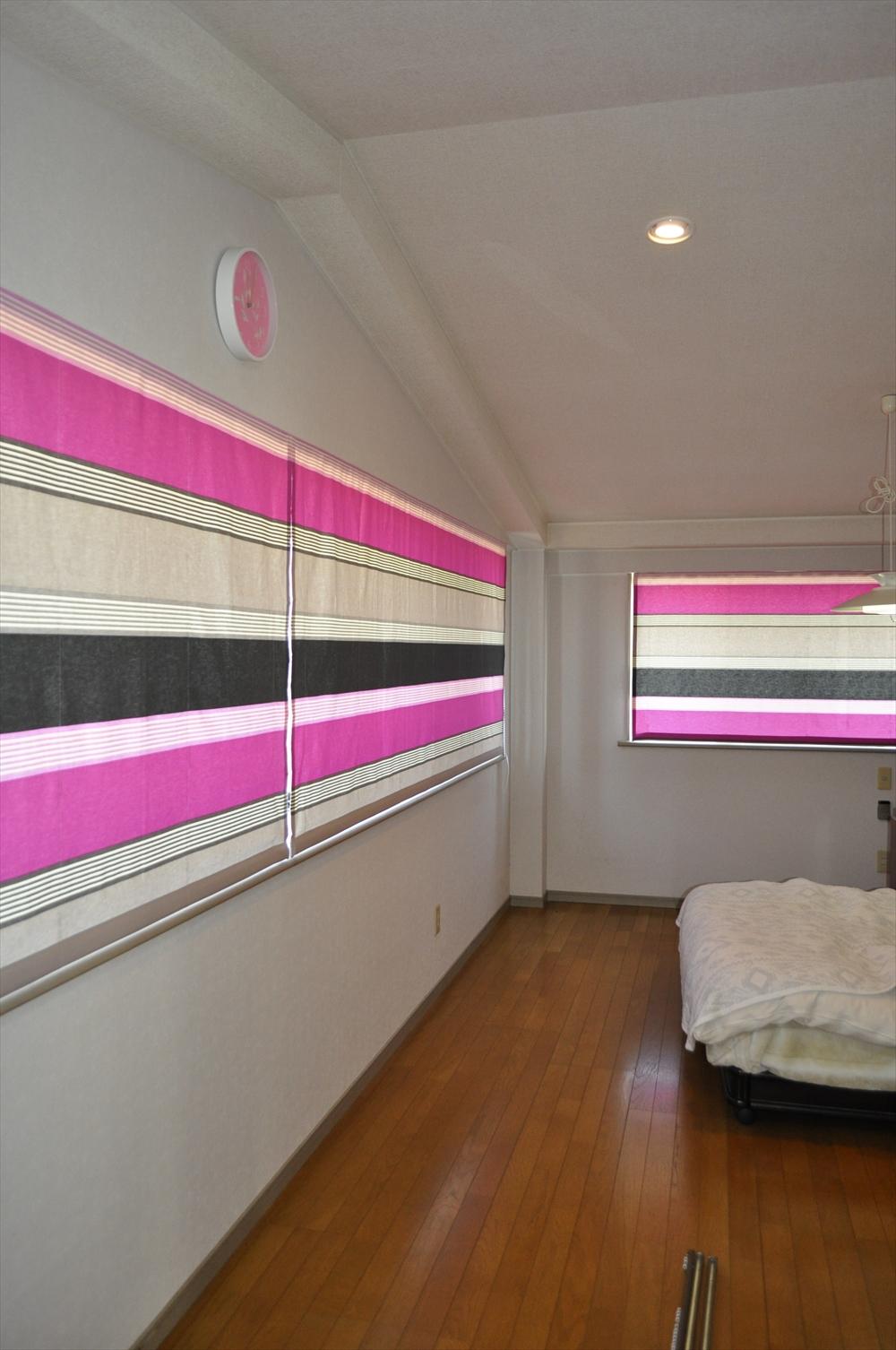 鮮やかなピンク フランスのインテリア ガーリーなカーテン