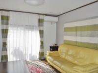 シックモダンなカーテン×クロス 内装リフォームでお部屋を大変身