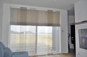吹抜けのある家 シンプルモダンなカーテン ライフピース