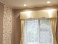 スモークパープルの壁 上品なエレガントカーテン ボンディングバランス
