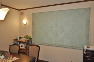 ブルーグリーンのリネンドレープ ナチュラルエレガントなカーテンの掛け替え 三井ホーム