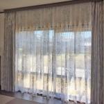 257.カーテンを天井から吊らして、より大きくオシャレな窓辺を演出