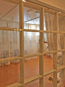 ほどよい透け感と柄でリラックスできる空間  フェイスサロン/大津