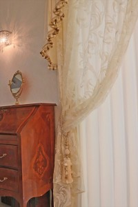 251.輸入家具に合わせてカーテンをコーディネート
